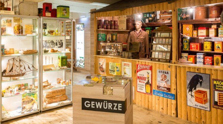 Hamburg: Spicy's Gewürzmuseum ist ein 1991 gegründetes, privates Museum in Hamburg. Mit 152.000 Besuchern im Jahr 2007 ist es eines der beliebtesten Museen der Stadt.