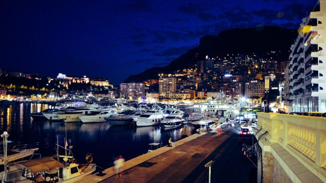 Monte Carlo by Night. Foto CC Public Domain via Unsplash