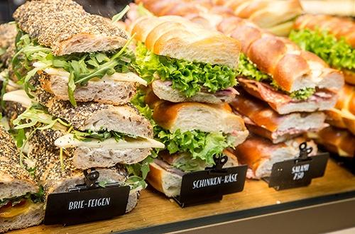 Am 21. November 2019 öffnet das erste «Zopf & Zöpfli» Café der Schweiz seine Türen im Einkaufszentrum Volkiland in Volketswil.